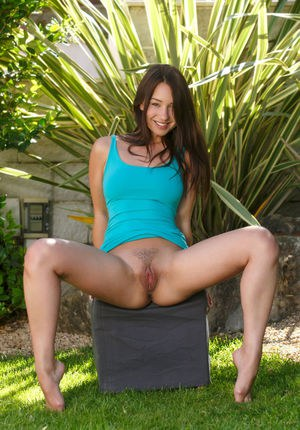 Trimmed Teen Pussy Pics
